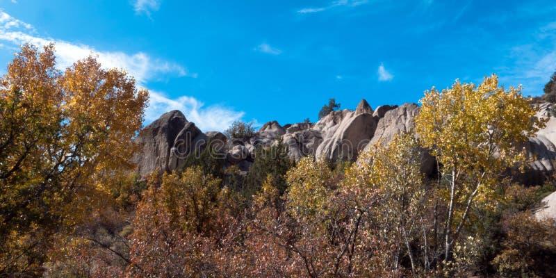 Panorama der Herbstfarben im Beaver Dam State Park stockfotos