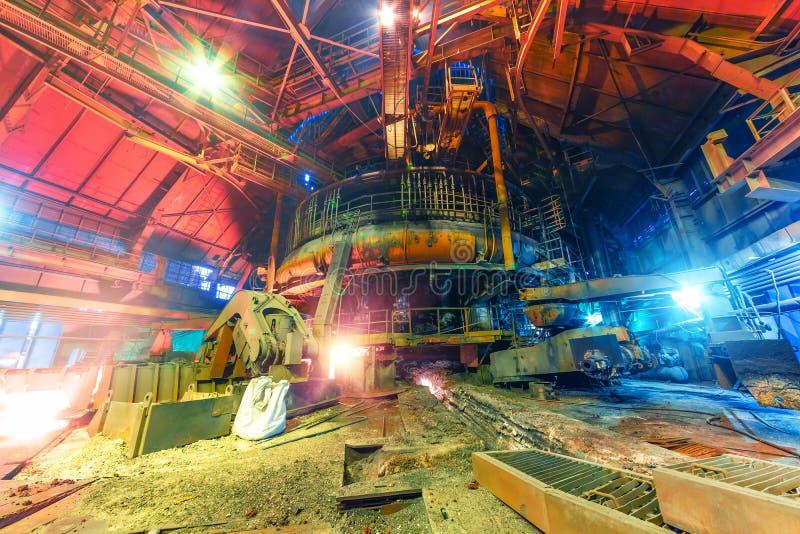 Panorama der Hochofenwerkstatt stockfotos