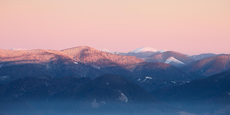 Panorama der Karpatengebirgskante stockbilder