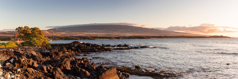 Panorama der Waikoloa-Küstenlinie stockfoto