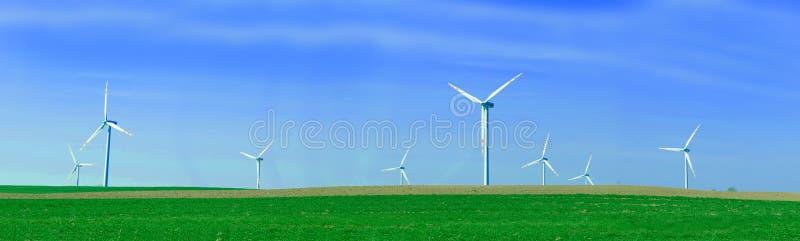Panorama der Windturbinen lizenzfreie stockbilder