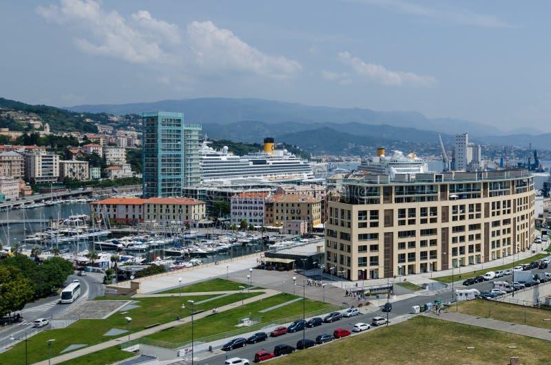 Panorama des Hafens von Savona stockfotografie