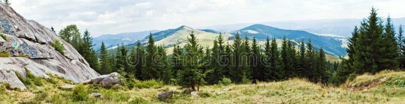 Panorama des montagnes image libre de droits