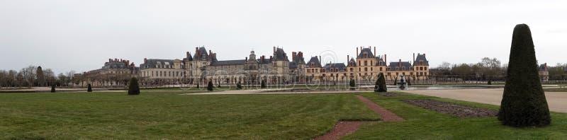 Panorama des Palastes von Fontainebleau in Frankreich lizenzfreies stockfoto