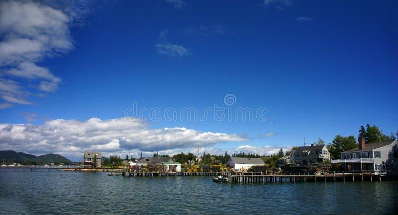 Panorama - desvíos de la langosta en el embarcadero, puerto imagen de archivo libre de regalías