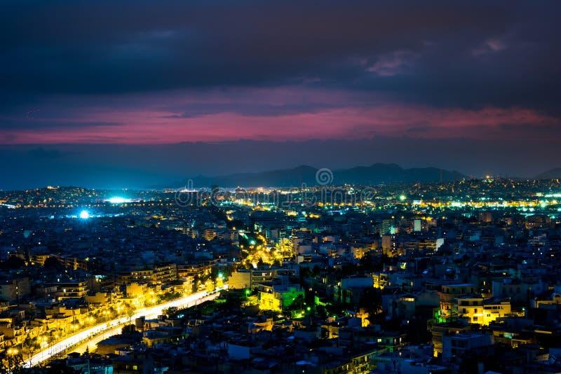 Panorama di Atene al tramonto Bello paesaggio urbano fotografie stock libere da diritti