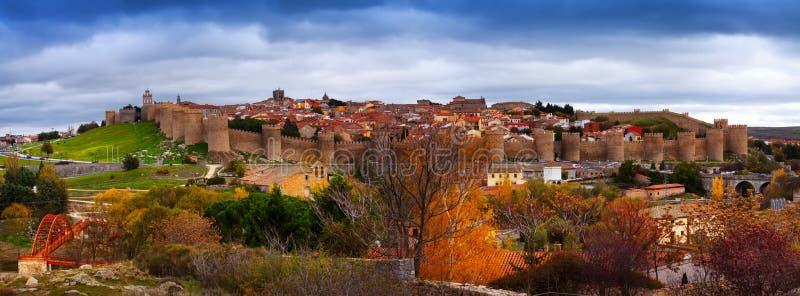 Panorama di Avila in autunno immagine stock libera da diritti