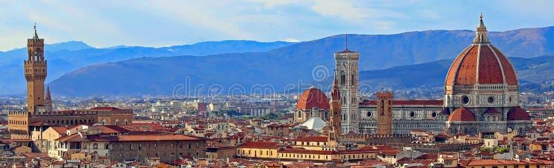 Panorama di Florence City in Italia con il vecchio palazzo e la grande cupola fotografie stock libere da diritti