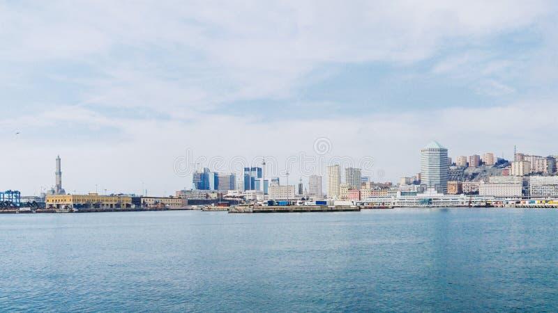 Panorama di Genova dal mare immagine stock libera da diritti
