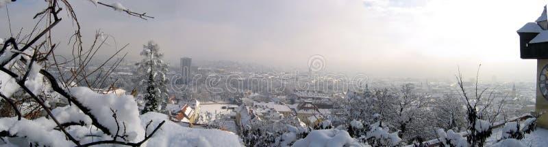 Download Panorama Di Inverno Di Graz Fotografia Stock - Immagine di inverno, tempo: 204224