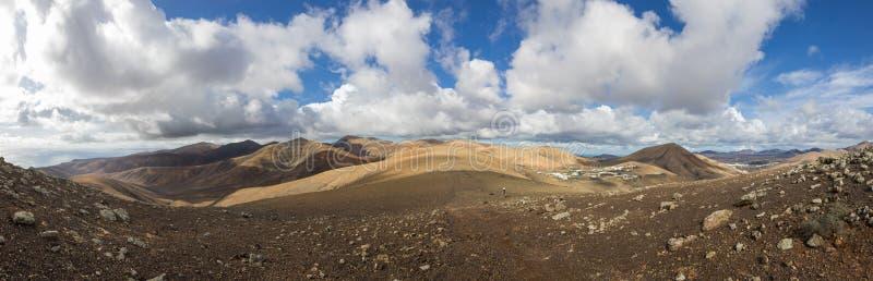 Download Panorama di Lanzarote immagine stock. Immagine di isole - 55365019