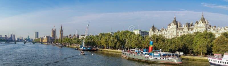 Panorama di Londra con Big Ben in Inghilterra, Regno Unito immagini stock