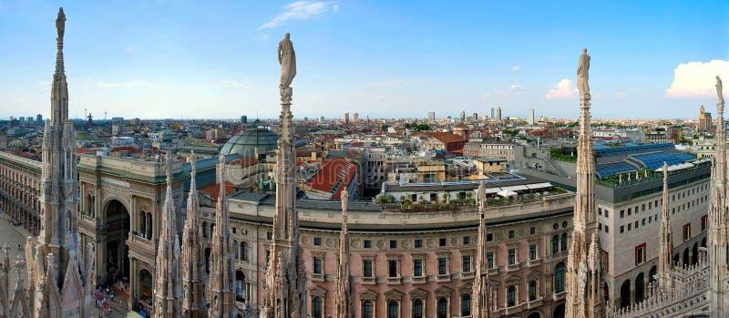Panorama di Milano fotografie stock