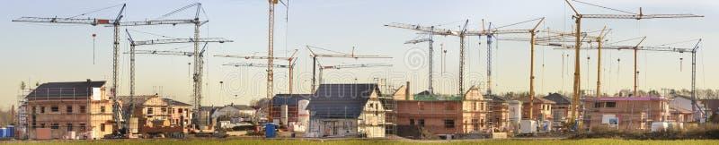Panorama di molte case residenziali nella costruzione fotografia stock