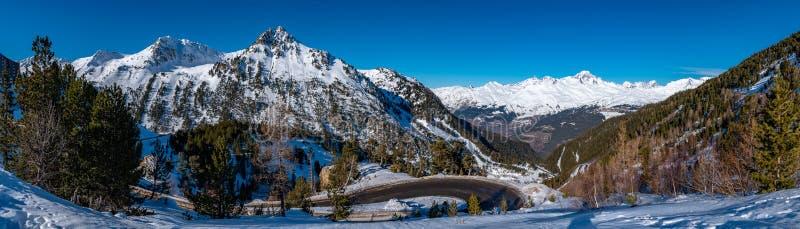 Panorama di Mont Blanc in Savoia, Francia, il più alta montagna nelle alpi e nell'ovest di Europa fotografie stock