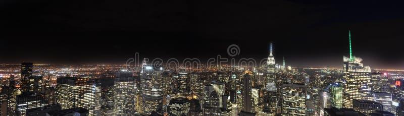 Panorama di New York Nightscape immagini stock libere da diritti