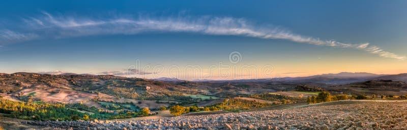 Panorama di paesaggio di sera di autunno fotografia stock
