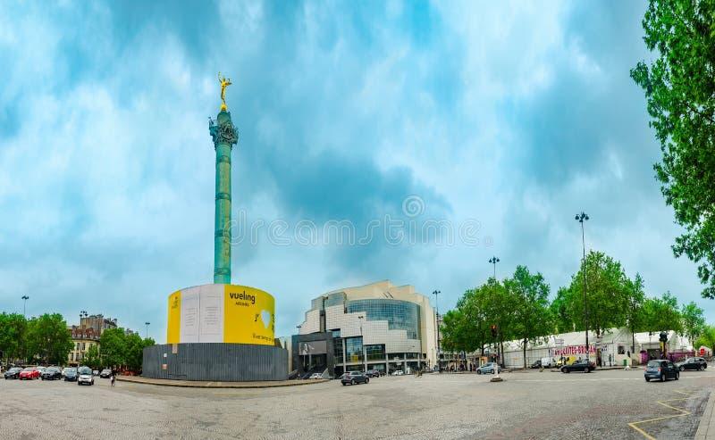Panorama di Place de la Bastille ed opera a Parigi fotografie stock