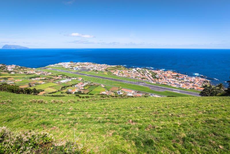 Panorama di Santa Cruz sull'isola del Flores Azzorre Portogallo immagine stock
