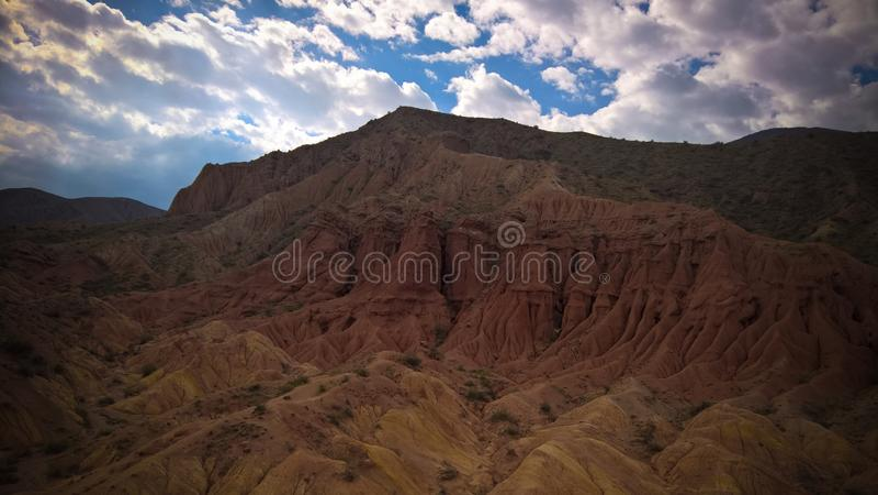Panorama di Skazka aka Fairytale canyon, Issyk-Kul, Kirghizistan fotografia stock libera da diritti