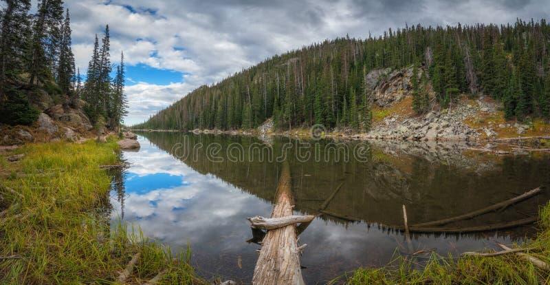 Panorama di sogno del lago fotografia stock