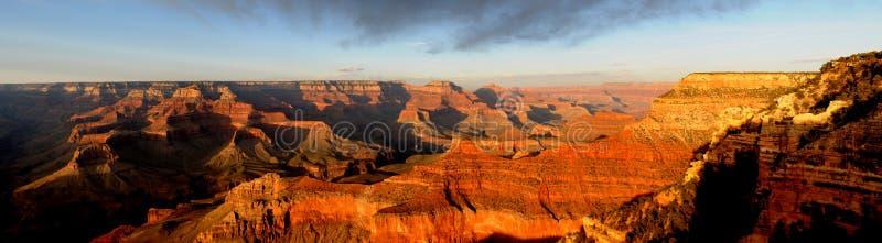 Panorama di tramonto del grande canyon fotografia stock libera da diritti