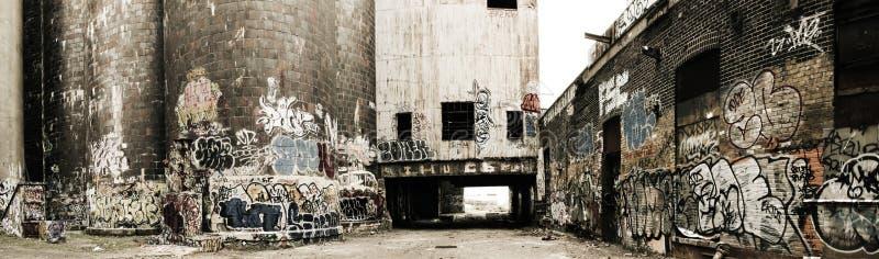 Panorama di vecchia fabbrica fotografia stock libera da diritti