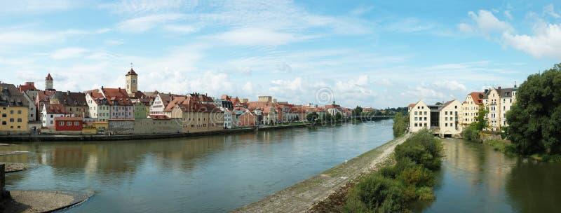 Panorama di vecchio Regensburg, Baviera, Germania fotografie stock libere da diritti