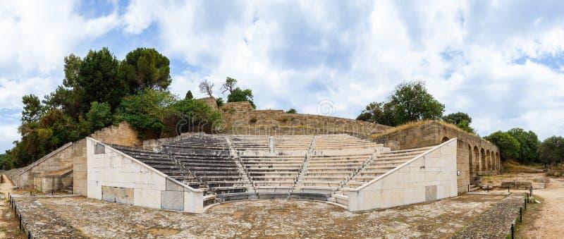 Panorama do anfiteatro da acrópole da cidade Grécia do Rodes imagens de stock