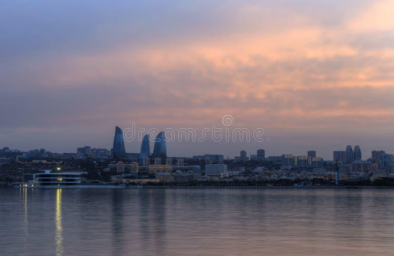 Panorama do bulevar do beira-mar em Baku Azerbaijan fotografia de stock