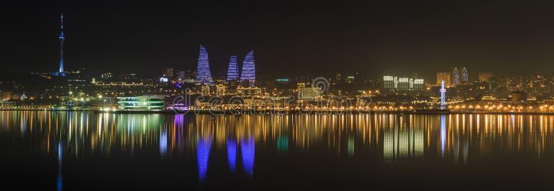 Panorama do bulevar do beira-mar em Baku azerbaijan fotografia de stock royalty free