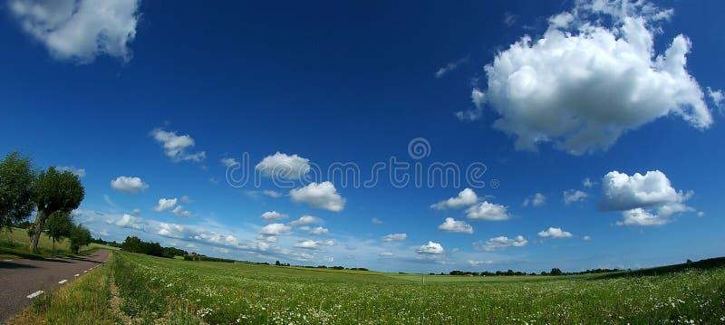 Panorama do céu azul fotografia de stock royalty free