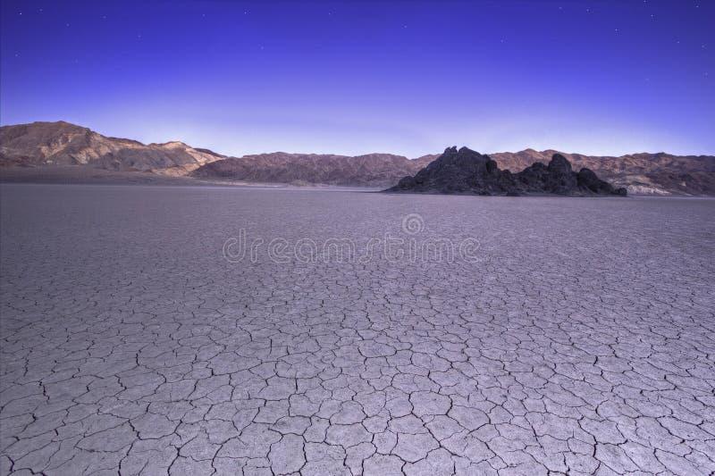 Panorama do campo de golfe dos diabos no Vale da Morte EUA imagens de stock