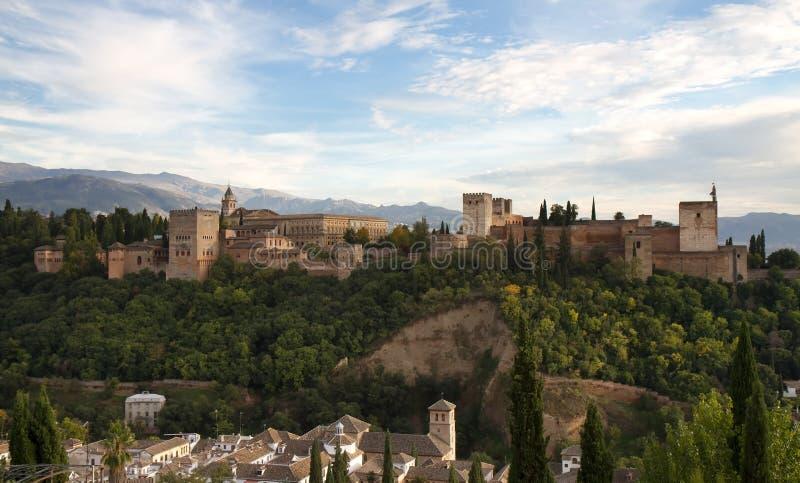 Panorama do castelo de Alhambra imagem de stock