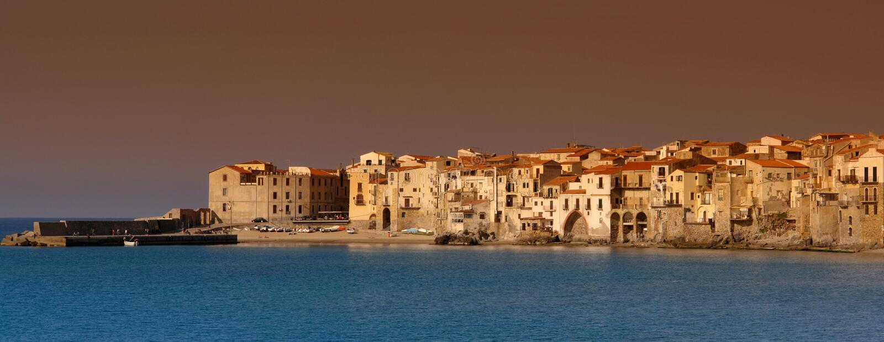 Panorama do cefalu de Sicília imagem de stock royalty free