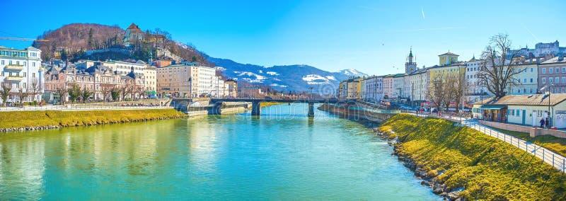 Panorama do centro da cidade de Salzburg, Áustria imagem de stock