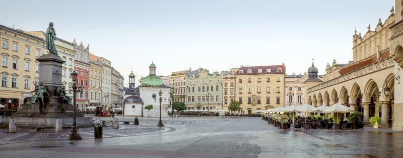Panorama do centro da cidade histórico de Krakow, Polônia foto de stock royalty free