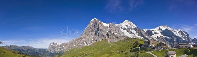 Panorama do Eiger, Mönch, Jungfrau fotografia de stock royalty free