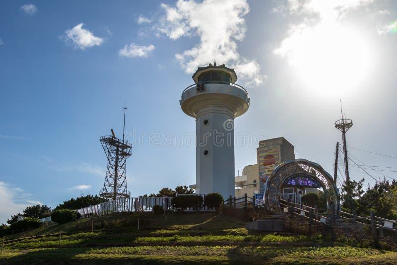 Panorama do farol de Ganjeolgot e o complexo de construção de Ganjeolgot com torre de comunicação Ponto Easternmost da península  imagens de stock