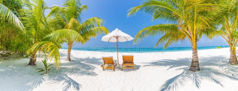 Panorama do fundo do destino do curso do verão Cena tropical da praia fotografia de stock royalty free