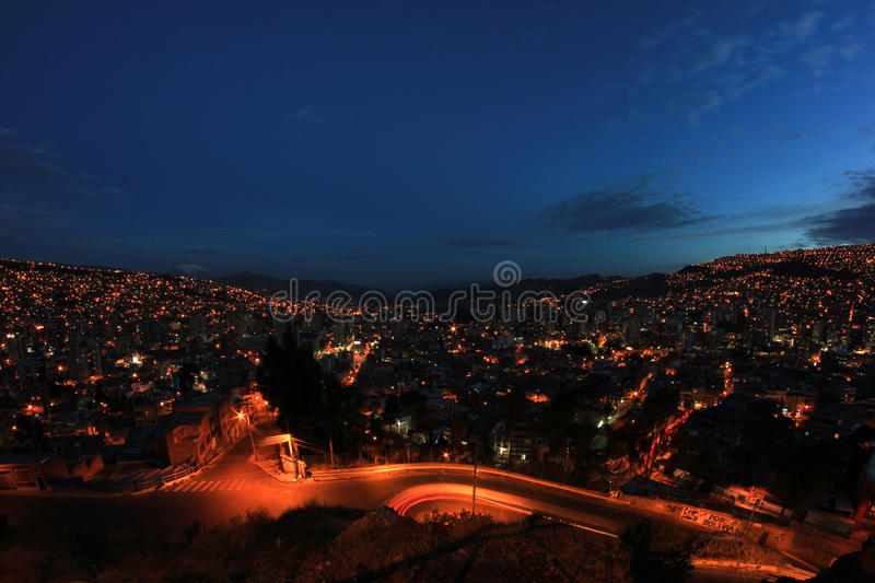 Panorama do La Paz da noite, Bolívia fotografia de stock royalty free