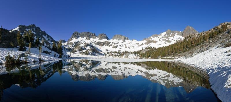 Panorama do lago Ediza fotografia de stock