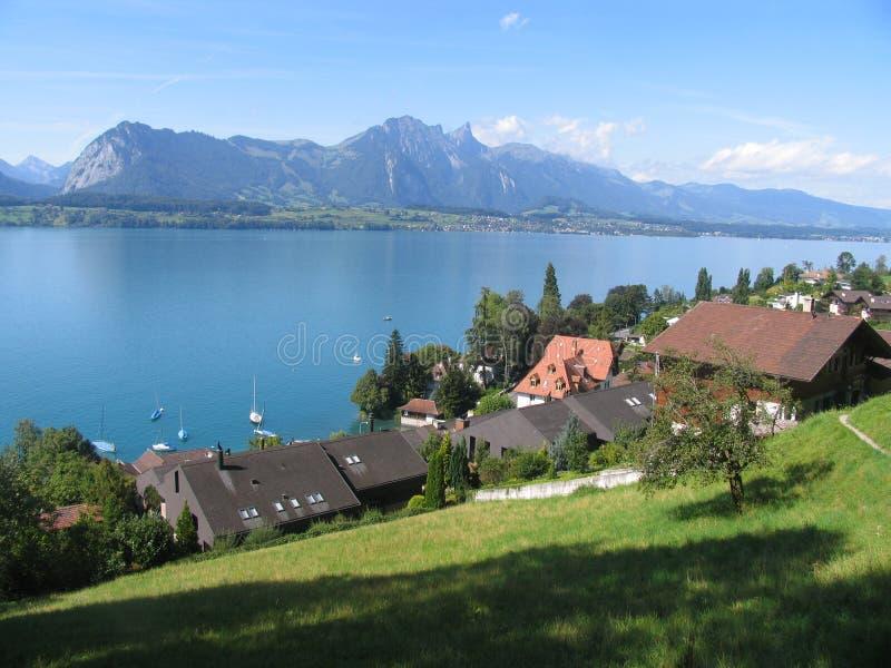 Panorama do lakeview de Thun imagens de stock royalty free