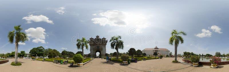 Panorama do monumento de Patuxai fotografia de stock