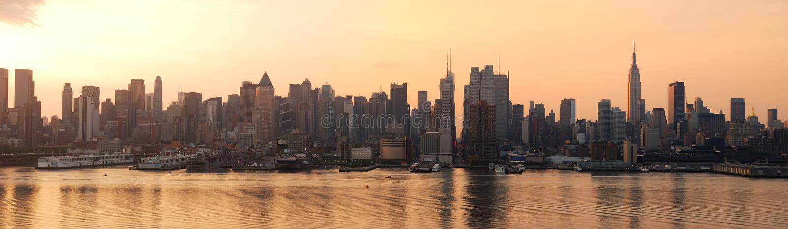 Panorama do nascer do sol de New York City foto de stock