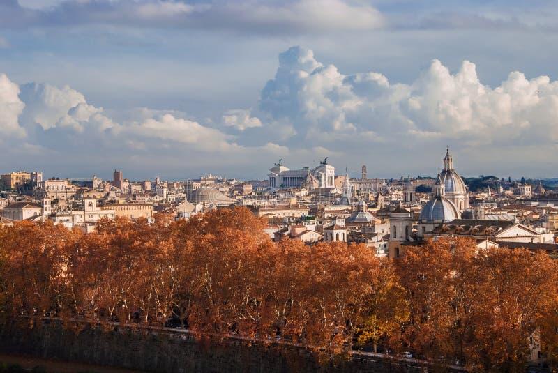 Panorama do outono de Roma fotografia de stock royalty free