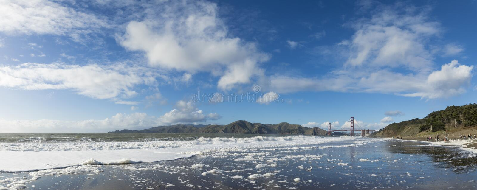 Panorama do padeiro Beach e golden gate bridge em San Francisco California fotos de stock royalty free
