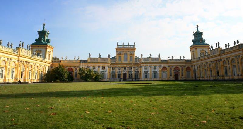 Panorama do palácio de Wilanow foto de stock