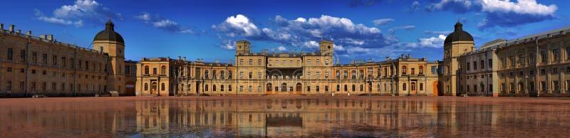 Panorama do palácio grande de Gatchina fotos de stock royalty free