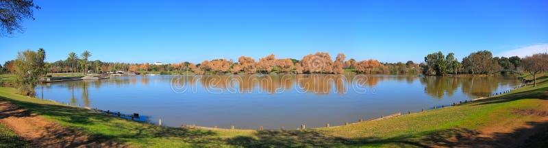 Panorama do parque de Telavive Yarkon, Israel foto de stock